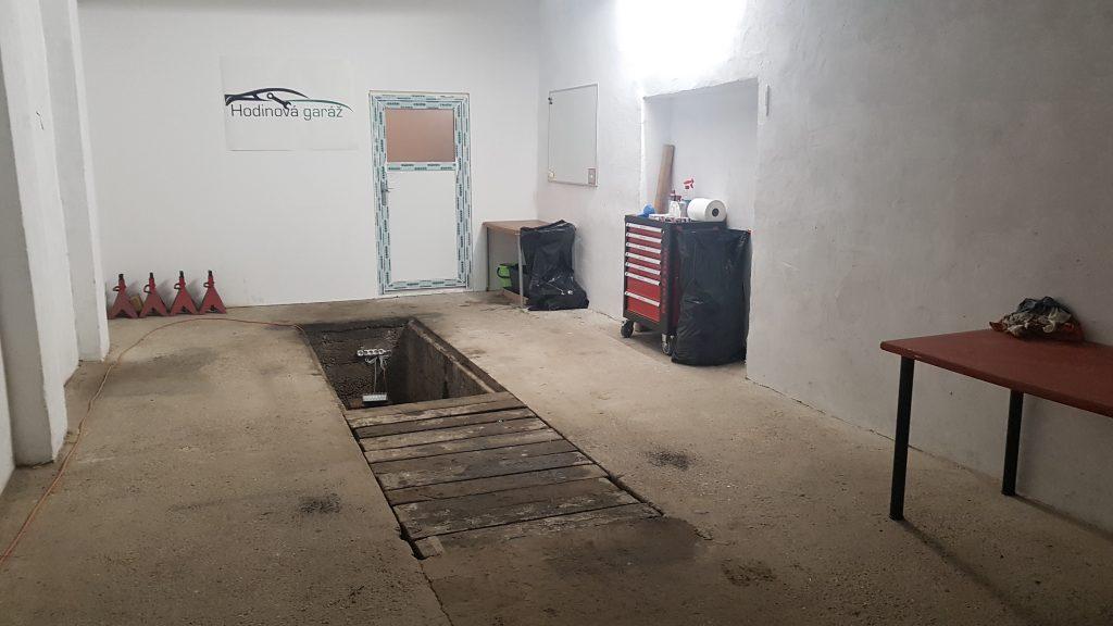 Hodinová garáž